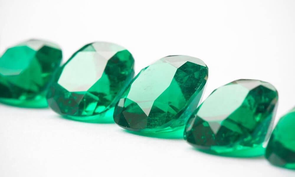 emerald crystal astrology